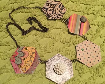 Fun, Colorful Paper Necklace!
