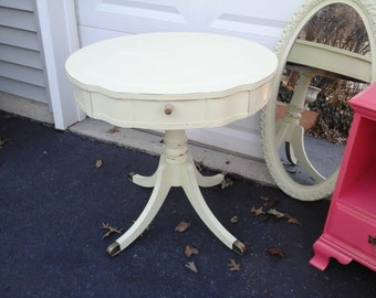 pretty Shabby chic vintage pedestal table