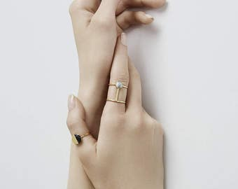 WHITE CIRCLE ring with circle and Howlith | gold