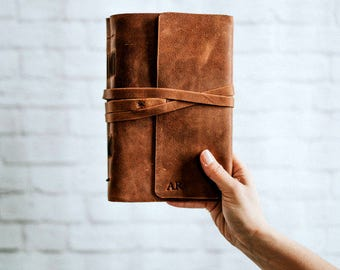 Personalized leather journal - Leather notebook with monogram or name / stocking stuffer / gifts for him gifts for her