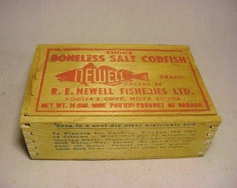 Vintage Newell Brand Choice Boneless Salt Codfish packed by R. E. Newell Fisheries Vogler's Cove, Nova Scotia ,Wood Advertising Codfish Box