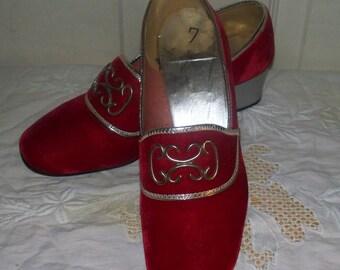 1960s Carol Brent Velvet Pumps - Red - Size 7 - Silver Heels - Renaissance Style