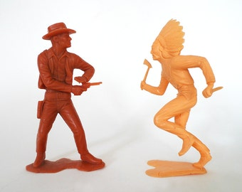 Vintage Plastic Cowboy and Indian Figurines / Louis Marx Retro Kitsch