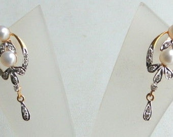 14 K Solid Gold Pearl & Diamond Stone Stud Earring India