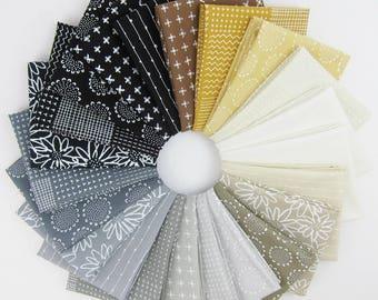 Blueberry Park Neutral Colorstory Fat Quarter Bundle - Karen Lewis Textiles - Robert Kaufman - 22 Fat Quarters