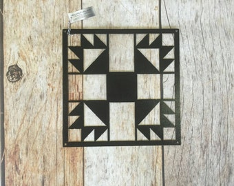 Bear Paw Barn Quilt Block