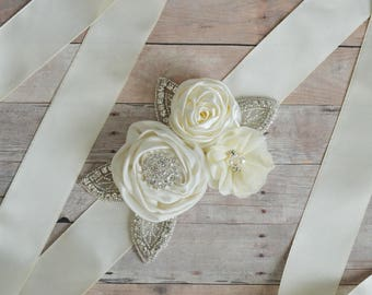 Wedding sash, Flower Girl Sash, Ribbon Sash, Bridal Sash, Wedding Shower Sash, Bridesmaid Sash Bachelorette ivory cream