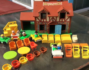 Vintage 1964-1980 Fisher Price Tudor House with 37 pieces and Working Doorbell