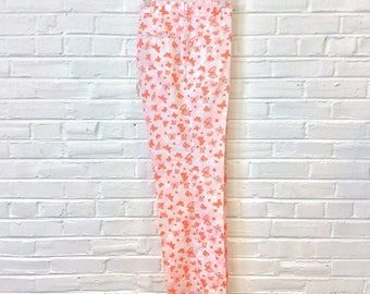 Vintage Lilly Pulitzer Men's Stuff Butterfly Pants in Pink, Ornage, and White. Size 36x32 2223