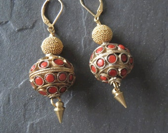 Vintage Coral Brass Beads India and Gold Earrings