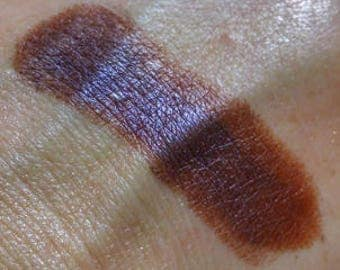 Twisted Tonya - vegan brown eyeshadow with purple shift