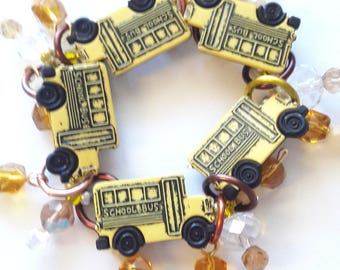 School bus bracelet/Beadiebracelet