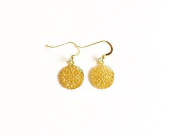 Gold Vermeil Filigree Flower Earrings// Gifts for her// Bridal jewellery //Gold earrings //Gifts for women //Gold jewellery