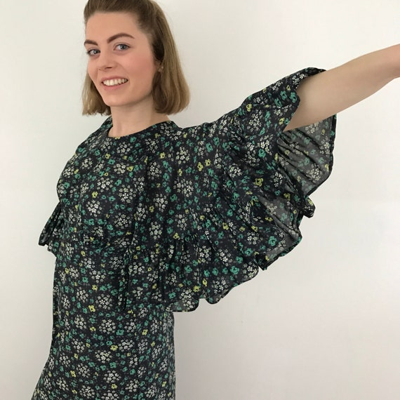 Maxi dress 1970s butterfly sleeves flower power boho flared skirt UK 8 floaty long prairie hippy 70s black cape sleeves