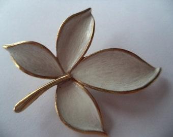 Vintage Signed JJ Goldtone/White Leaf Brooch/Pin