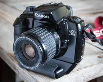 Working Vintage Canon EOS A2E 35mm Film SLR Camera with Zoom Lens and Vertical Grip