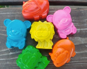 Zoo Animal Crayons set of 24 - Lion Crayons - Hippo Crayons - Bear Crayons - Zoo Party Favors