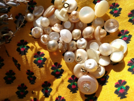 """Antique French White """"Pearl"""" Buttons 36 Bead Shank Buttons #sophieladydeparis"""