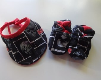 The Walking Dead Zombies Baby Gift Combo (Bootie and Bib Set)