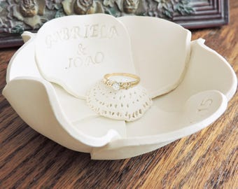 Flower Ring Dish with Names & Date - Personalized Wedding Gift for Couple - White Flower Wedding Ring Holder or Engagement Ring Holder