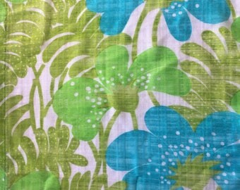 60s retro vintage valance. Mid century modern fabric Scandinavian mod design, made in Sweden green and turquoise bold floral pattern