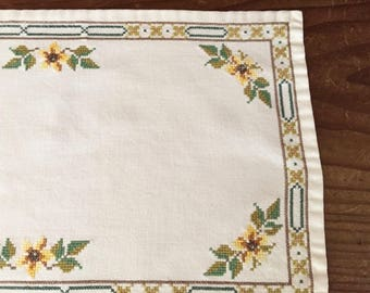 Farmhouse Petit Point Table Runner, Dresser Scarf, Vintage Needlepoint Table Scarf, 11 x 30 Inches, Cottage Chic, Farmhouse Table Linens