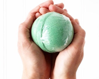 Winter Buster Bath Bomb, Large Bathbomb, Sinus Relief Bath Fizz, Cold and Flu Soak, Aromatherapy Bathbomb, Vicks Scented Bath Fizzy, Menthol