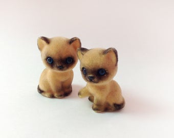 Josef Originals Siamese Kittens, Cats, Set Of 2, Flocked Furry Siamese Kitties, Josef Originals Japan