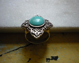Vintage Sterling Silver Ornate Turquoise Ring Size 7