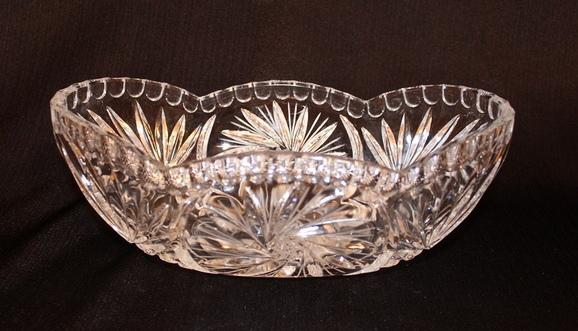 Eapg crystal oval glass bowl fruit centerpiece