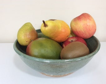 Pottery fruit bowl - pottery serving bowl - Green pottery bowl - Green fruit bowl