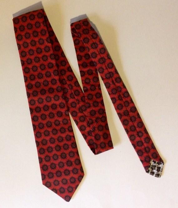 Supernatural necktie, antipossession necktie
