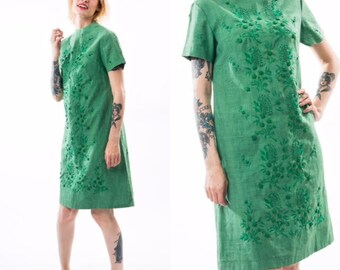Vintage 60's Green Shift Dress / Embroidery Paisley Detail / Size Small