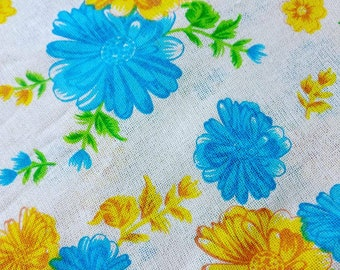 Printed burlap Indian fabric, Blue floral fabric, printed jute, ecofriendly  fabric, sewing, quilting, fat quarter
