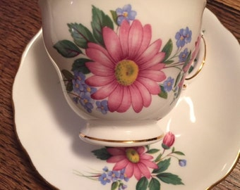 Vintage royal vale bone china tea cup and saucer