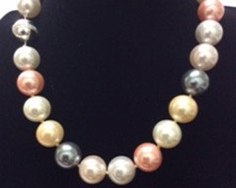 Multi Color Shell Pearl Necklace with Silver Ball Lock, Ladies Necklaces, Pearl Necklace