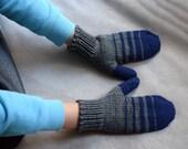Kids gloves, handknit childrens mittens, navy and grey toddler gloves, baby mittens, merino wool mittens, winter accessories
