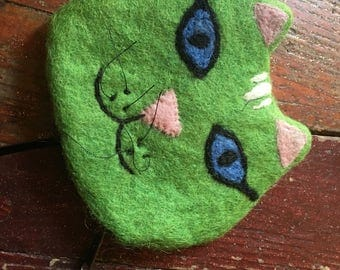 Fairtrade Felt Cat Purse - Green