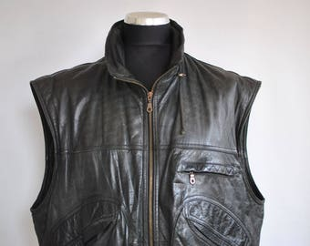 Vintage MEN'S LEATHER VEST ...............(085)