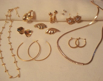 Lovely Gold 10pc Vintage Jewelry Lot Necklaces and Pierced Earrings #97