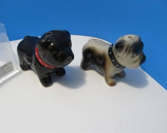NEW Ceramic Bull Dogs Puppies Puppy  Salt & Pepper Shakers Animal In Box