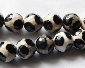 12mm Black and white Agate