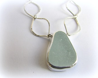 Sea glass necklace. Maine jewelry. Sea Glass Pendant. Sea glass jewelry. Bezel sea glass. Beach glass jewelry. Sterling silver necklace.