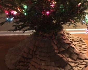 Ruffled Burlap Christmas Tree Skirt - Burlap Tree Skirt - Christmas Tree Skirt - Custom Tree Skirt - Sewn Tree Skirt - Ruffled Tree Skirt