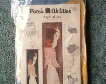 Patch Abilities Mini Quilt Kit Angel of Joy Angel Quilt Wall Hanging Quilt Christmas Quilt Christmas Decoration  b45