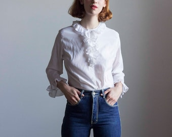 1970s White Ruffled Blouse // Size Small Medium
