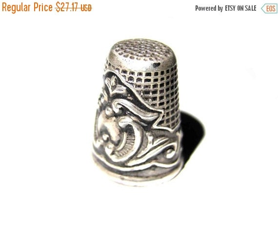 ON SALE Silver finger guard,sewing finger thimble,antique 1960's,handmade,engraved,solid silver,finger protector,needle protector