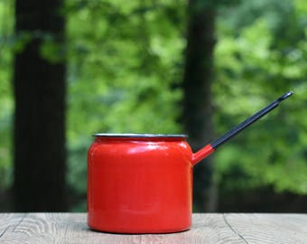 Large Vintage Red Enamel Turkish Coffee Pot / Polish Enamelware / Large Red Enamel Saucepan / Red Kitchen / Red White Enamelware /