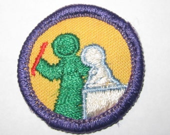 "Junior Girl Scout Badge ""Art In The Round"" circa 1980's"