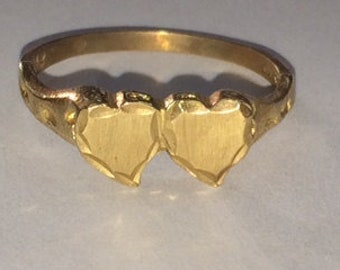 Vintage 14k Yellow Gold Engravable Double Heart Ring Size 8!